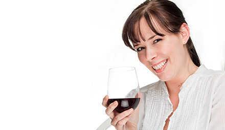 7 Wege wie Alkohol Ihrer Gesundheit helfen oder schaden kann