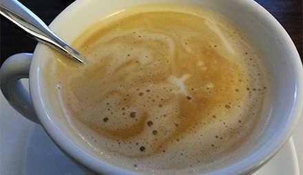 Kaffe Latte Macchiato und Cappuccion haben sehr wenige Kalorien