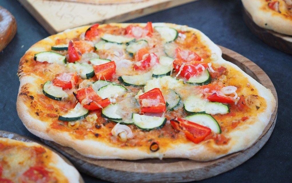Pizza Kalorien Und Nährwerte Der Margherita Salami Schinken Hawaii