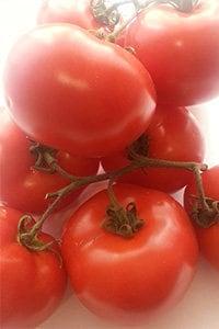 Kalorien und Kohlenhydrate in Tomatesaft