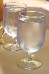 Wasser ist für den Körper besser als Saft