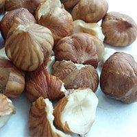 Erdnüsse und Nüsse sind von Natur aus gesunde Produkte sind aber Kalorienreich.