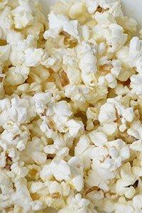 Mikrowellen-Popcorn hat weniger Kalorien