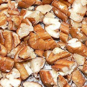 Pekannüsse sind gesund mit vielen Kalorien und Nährstoffen.
