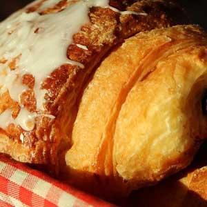 Für die Behauptung, dass die österreichischen Kipferl das Vorbild der Croissants waren, gibt es keine historischen Belege.