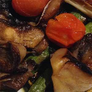 Gemüse ist geschmacksgebend und kalorienarm.