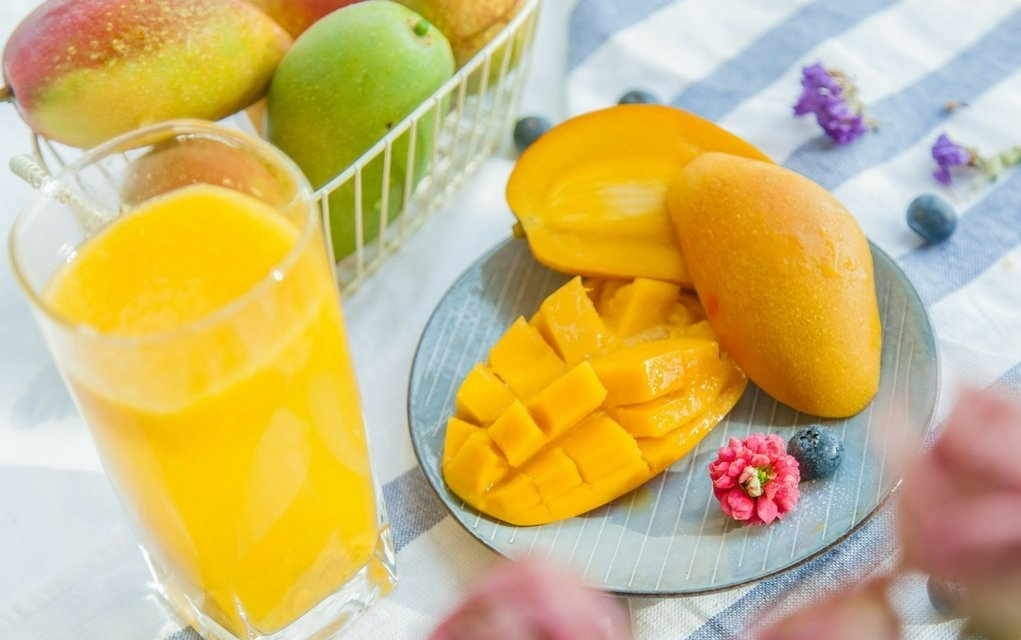 Mango: Kalorien und Nährwerte der Mangofrucht