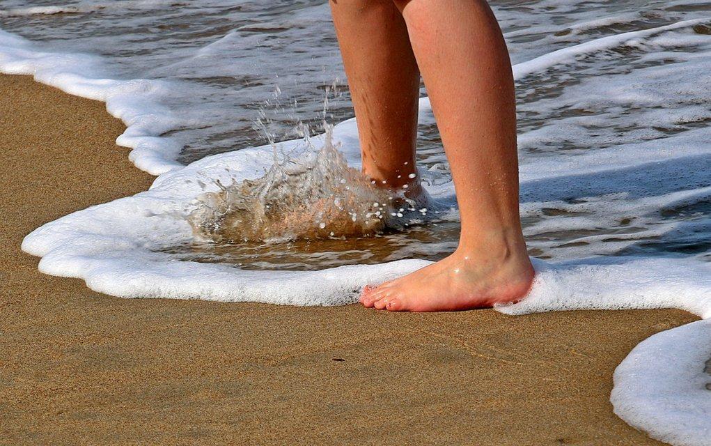 Barfuß laufen mit oder ohne Barfusschuhe