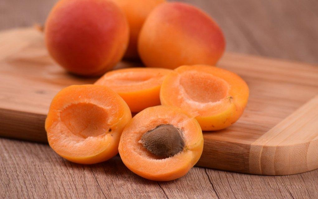 Aprikosen Kalorien und Nährwerte der gesunden Marillen