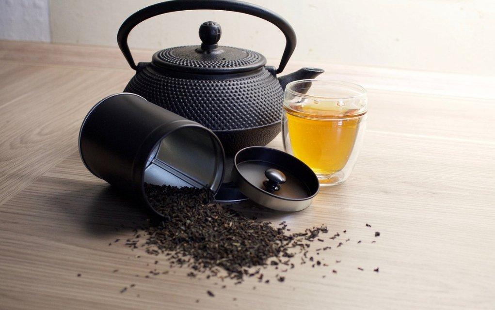 Schwarzer Tee kommt dem Herzen, der Verdauung, dem Stressniveau und mehr zugute.