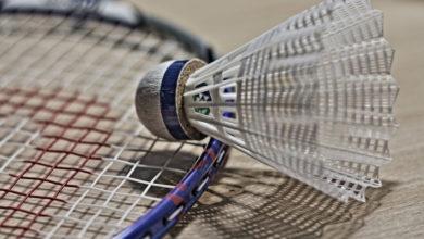 Badminton hilft beim Abnehmen, fördert Fitness, Ausdauer und Koordination.