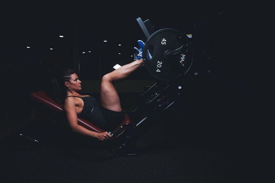 Zum ersten Mal ins Fitnessstudio? Das solltest du unbedingt wissen!